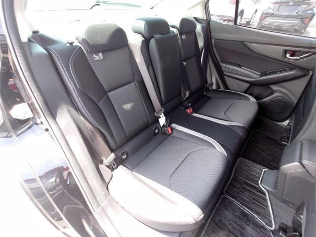 2.0i-Sアイサイト 4WD 衝突軽減ブレーキ レーンキープアシスト 純正8型ナビ CD・DVD再生 フルセグ Mサーバー Bluetooth接続 ETC バックカメラ 電動シート ブラインドスポットモニター 1オーナー 禁煙車(11枚目)