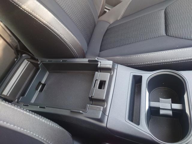 2.0i-Sアイサイト 4WD 衝突軽減ブレーキ レーンキープアシスト 純正8型ナビ CD・DVD再生 フルセグ Mサーバー Bluetooth接続 ETC バックカメラ 電動シート ブラインドスポットモニター 1オーナー 禁煙車(24枚目)
