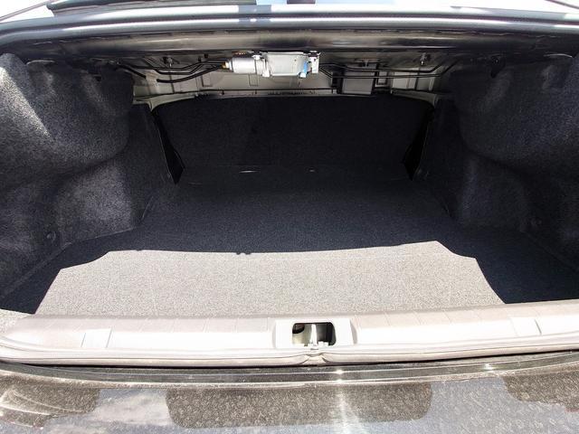 2.0i-Sアイサイト 4WD 衝突軽減ブレーキ レーンキープアシスト 純正8型ナビ CD・DVD再生 フルセグ Mサーバー Bluetooth接続 ETC バックカメラ 電動シート ブラインドスポットモニター 1オーナー 禁煙車(48枚目)