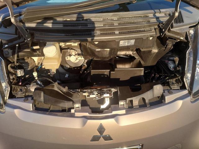 ビバーチェ 禁煙車 4WD 走行距離35000Km以下 CD再生 スマートキー シートヒーター 盗難防止装置 電格格納ミラー オートエアコン  衝突安全ボディー UVカットガラス プライバシーガラス(22枚目)