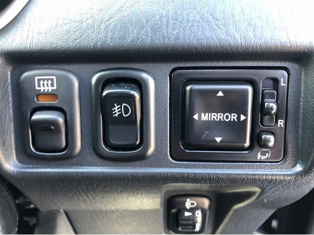 カスタムL 禁煙車 4WD ターボ 7インチナビ フルセグTV 15インチ純正アルミホイール CD・DVD再生 USB接続 ETC センターデフロック 前方録画ドライブレコーダー キーレス リアスポイラー(38枚目)