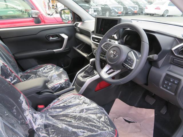 Z 4WD フルエアロ 寒冷地仕様 スマートアシスト LEDヘッドライト・フォグ 登録済み未使用車 本革巻きシフトノブ・ステアリング LEDデジタルスピードメーター 純正17インチアルミ 車検R6年6月(4枚目)