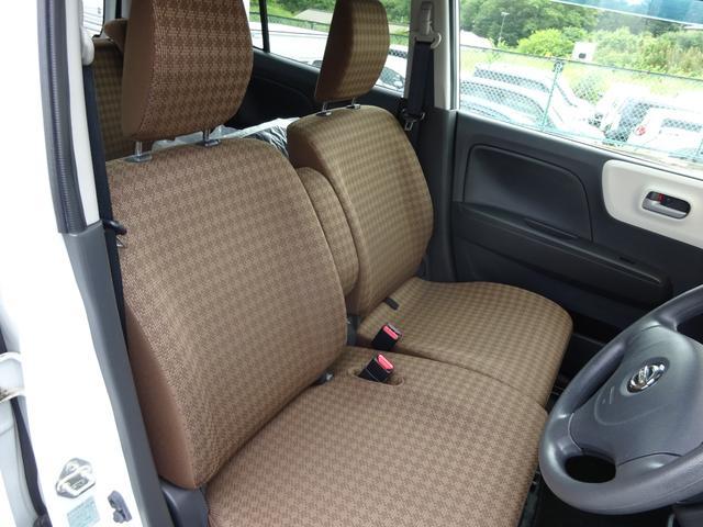 S FOUR 4WD プッシュスタート シートヒーター アイドリングストップ スマキー キーレス Wエアバッグ 盗難防止装置 ABS(5枚目)