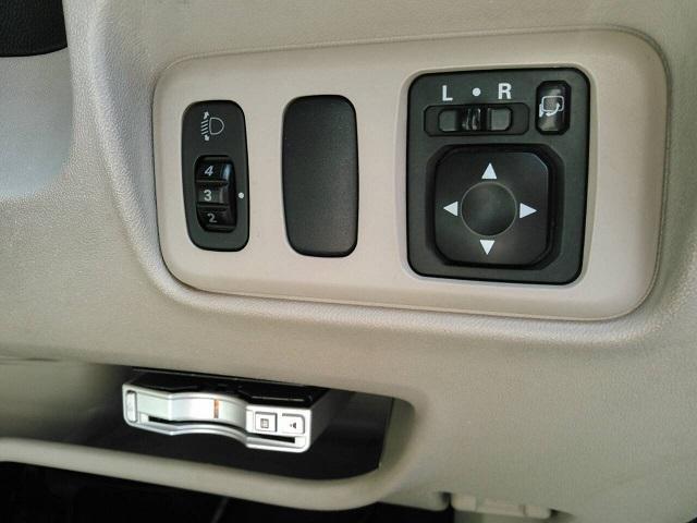 三菱 コルト エレガンス4WD