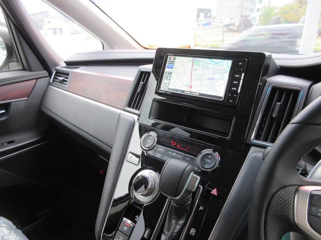G パワーパッケージ 4WD 8人乗り 登録済未使用車(4枚目)