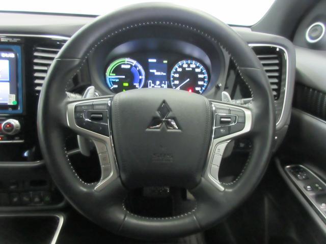 Gプレミアムパッケージ 4WD 急速充電 純正ナビ USB Bluetooth接続 スマホ連携 アラウンドモニター 電気温水ヒーター クルーズコントロール ETC 横滑り防止 衝突被害軽減ブレーキ コーナーセンサー(5枚目)