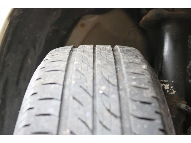 タイヤは夏タイヤ6分山です。