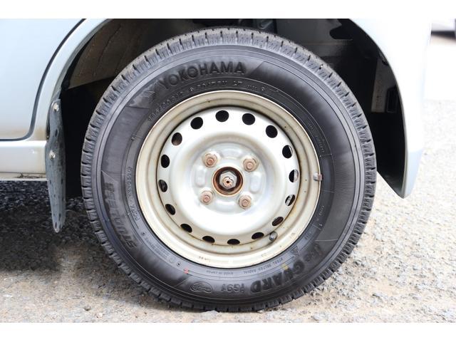 DX 1年保証付き 4WD 4ナンバー バン ハイルーフ ラジオデッキ 頭上収納 荷室LEDランプ 鍵 キーレスリモコン タイミングチェーンエンジン 車検令和4年3月まで(23枚目)