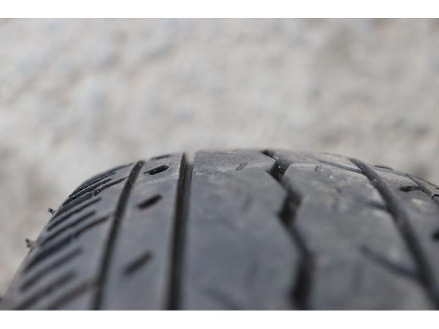 DX 1年保証付き 4WD 4ナンバー バン ハイルーフ ラジオデッキ 頭上収納 荷室LEDランプ 鍵 キーレスリモコン タイミングチェーンエンジン 車検令和4年3月まで(26枚目)