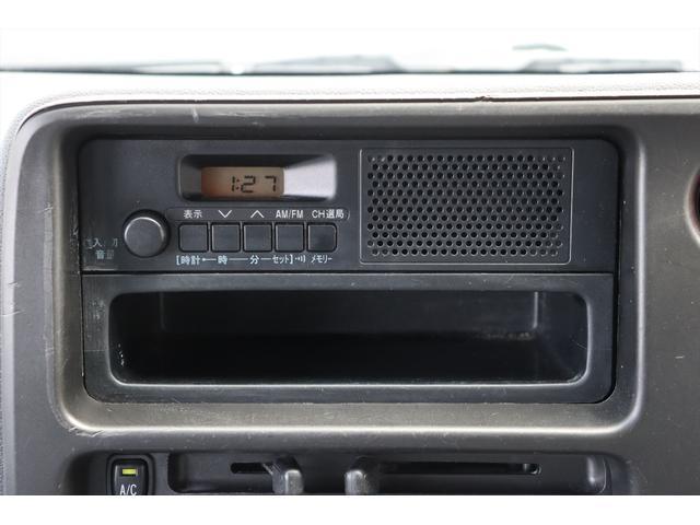DX 1年保証付き 4WD 4ナンバー バン ハイルーフ ラジオデッキ 頭上収納 荷室LEDランプ 鍵 キーレスリモコン タイミングチェーンエンジン 車検令和4年3月まで(29枚目)