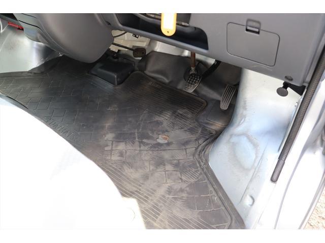 DX 1年保証付き 4WD 4ナンバー バン ハイルーフ ラジオデッキ 頭上収納 荷室LEDランプ 鍵 キーレスリモコン タイミングチェーンエンジン 車検令和4年3月まで(43枚目)