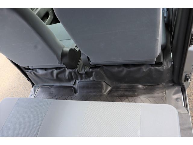 DX 1年保証付き 4WD 4ナンバー バン ハイルーフ ラジオデッキ 頭上収納 荷室LEDランプ 鍵 キーレスリモコン タイミングチェーンエンジン 車検令和4年3月まで(51枚目)