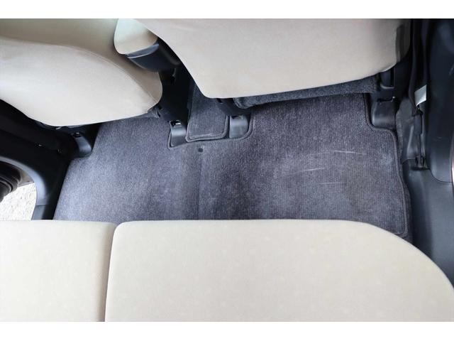 C 1年保証付き CDデッキ AUX 夏タイヤ 3.5万キロ 内装ベージュカラー 車検令和5年6月まで(45枚目)