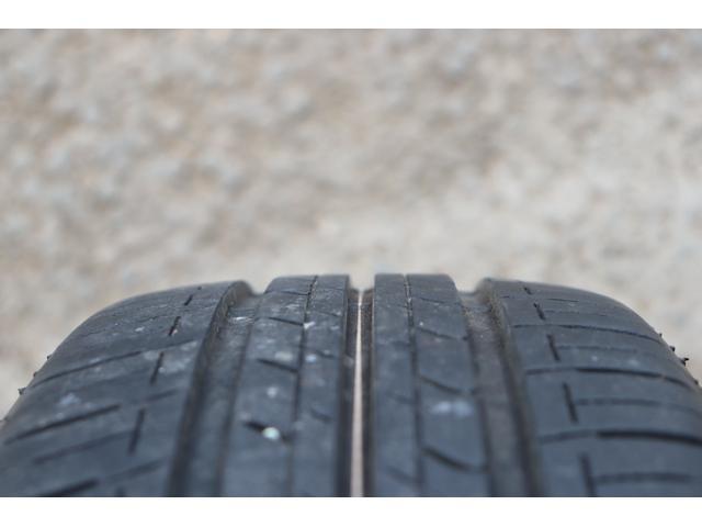 X ラジオデッキ AUX アイドリングストップ スマートキー スペアキー 電格ミラー 冬タイヤ 夏タイヤ車載 内装ツートン 1.3万キロ 修復歴なし タイミングチェーンエンジン 車検令和5年6月まで(28枚目)