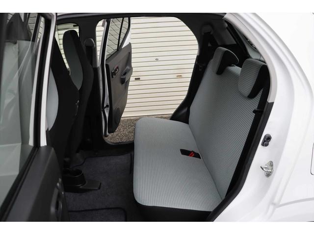 S 1年保証付き レーダーブレーキサポート装着車 運転席シートヒーター付き CDデッキ ETC 電格ミラー キーレスキー アイドリングSTOP タイミングチェーンエンジン 修復歴なし 車検令和5年9月まで(50枚目)