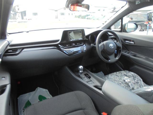 トヨタ C-HR S-T 4WD モデリスタ HDDナビ