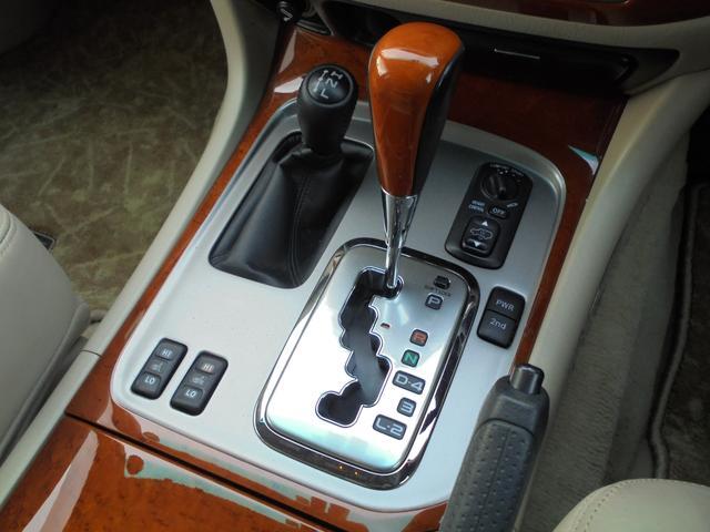 トヨタ ランドクルーザー100 シグナス 革シート サンルーフ 純正エアサス 純正マルチ