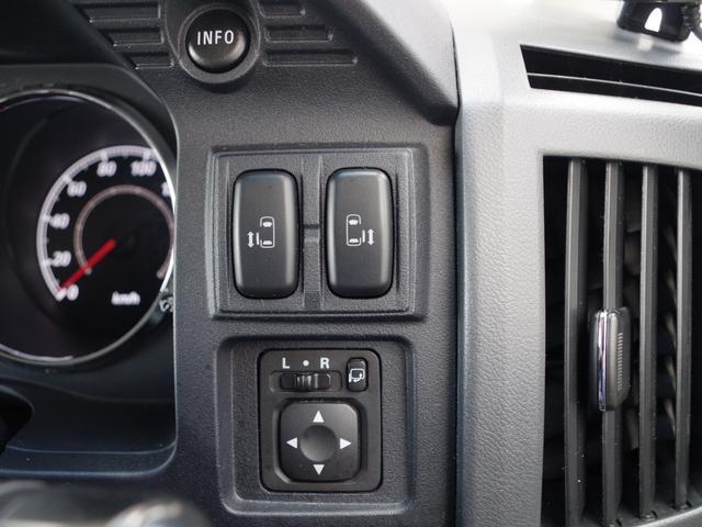 G プレミアム 4WD 革シート 両側パワスラ パワーBドア(16枚目)