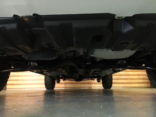 GL 4WD 2インチリフトアップ エクストリームJアルミ マッドスターM/T 各所ブラック塗装 ルーフキャリアー レガリア製シートカバー 電動格納ミラー シートリフター キーレス ETC スペアキー(28枚目)