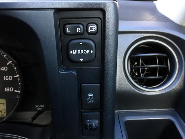 GL 4WD 2インチリフトアップ エクストリームJアルミ マッドスターM/T 各所ブラック塗装 ルーフキャリアー レガリア製シートカバー 電動格納ミラー シートリフター キーレス ETC スペアキー(31枚目)