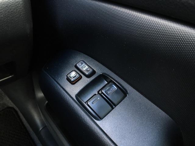 GL 4WD 2インチリフトアップ エクストリームJアルミ マッドスターM/T 各所ブラック塗装 ルーフキャリアー レガリア製シートカバー 電動格納ミラー シートリフター キーレス ETC スペアキー(32枚目)