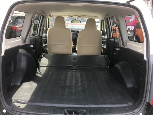 GL 4WD 2インチリフトアップ エクストリームJアルミ マッドスターM/T 各所ブラック塗装 ルーフキャリアー レガリア製シートカバー 電動格納ミラー シートリフター キーレス ETC スペアキー(47枚目)