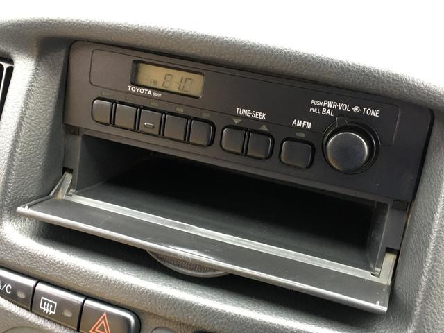 DXコンフォートパッケージ 4WD 2インチリフトアップ マキシス(新品タイヤ)ルーフラック レガリア製シートカバー 木目調ラゲージマット ハンドルカバー 純正ゴムマット ライトレベライザー キーレス 引き出しテーブル(7枚目)