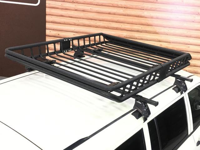 DXコンフォートパッケージ 4WD 2インチリフトアップ マキシス(新品タイヤ)ルーフラック レガリア製シートカバー 木目調ラゲージマット ハンドルカバー 純正ゴムマット ライトレベライザー キーレス 引き出しテーブル(28枚目)