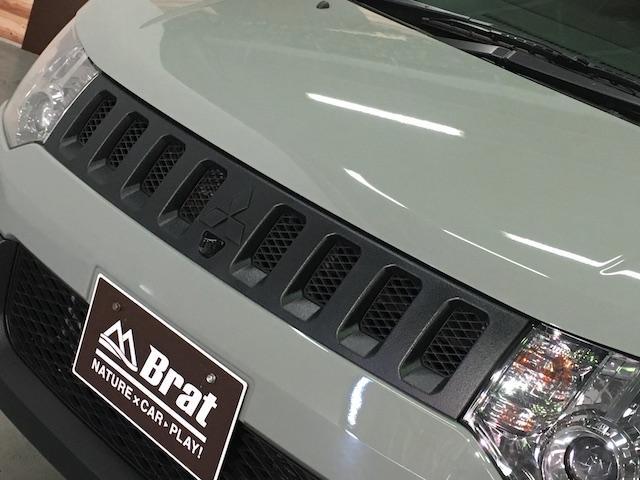 シャモニー NEWペイント/ツイードグレー 1.5インチリフトアップ BFグッドリッチKO2タイヤ新品 TT製16インチAW新品 腰下ラインX調・マッドブラックペイント 切替4WD 前席シートヒーター ETC(16枚目)