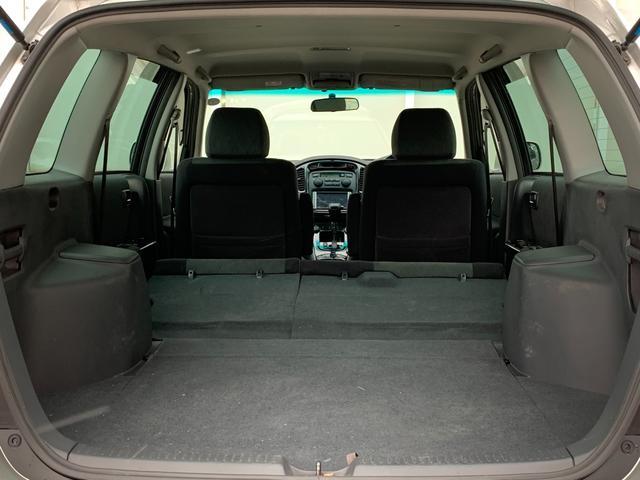 FOUR 4WD 5名乗 走行距離4.0万km 純正エンジンスターター 純正HDDナビ(CD、DVD、MD、FM/AM) 純正フロアマット ETC ルーフレール キーレス スペアキー 純正アルミホイール付き(38枚目)