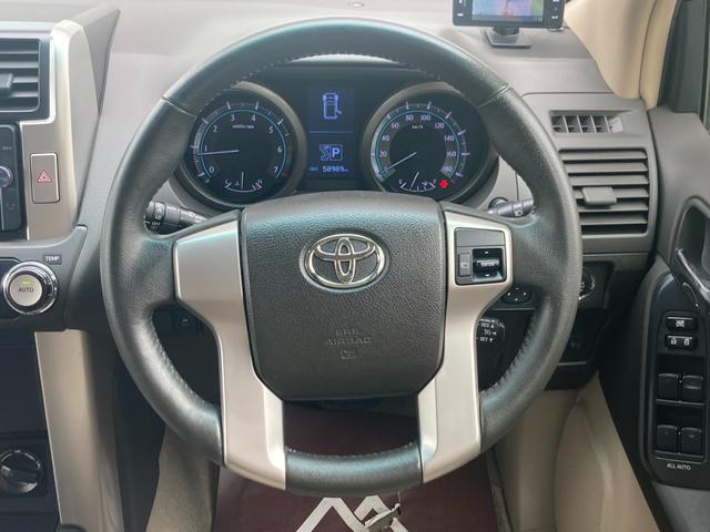 TX Lパッケージ マーテルギア製17インチAW レザーシート 前席パワーシート GPSレーダー 電動格納サードシート 前席シートヒーター  純正SDナビ Bカメラ Bluetooth接続 フルセグTV HIDライト(16枚目)
