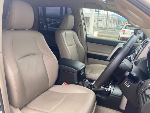 TX Lパッケージ マーテルギア製17インチAW レザーシート 前席パワーシート GPSレーダー 電動格納サードシート 前席シートヒーター  純正SDナビ Bカメラ Bluetooth接続 フルセグTV HIDライト(36枚目)