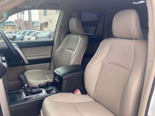 TX Lパッケージ マーテルギア製17インチAW レザーシート 前席パワーシート GPSレーダー 電動格納サードシート 前席シートヒーター  純正SDナビ Bカメラ Bluetooth接続 フルセグTV HIDライト(37枚目)