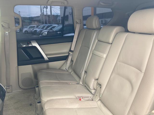 TX Lパッケージ マーテルギア製17インチAW レザーシート 前席パワーシート GPSレーダー 電動格納サードシート 前席シートヒーター  純正SDナビ Bカメラ Bluetooth接続 フルセグTV HIDライト(39枚目)