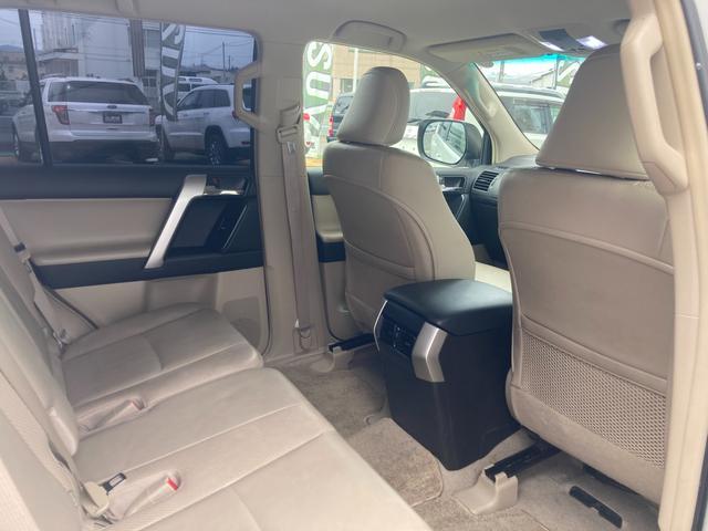 TX Lパッケージ マーテルギア製17インチAW レザーシート 前席パワーシート GPSレーダー 電動格納サードシート 前席シートヒーター  純正SDナビ Bカメラ Bluetooth接続 フルセグTV HIDライト(40枚目)