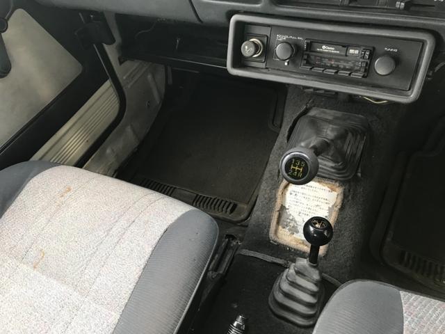 ベースグレード 4WD 5速マニュアル カセット 16AW(7枚目)