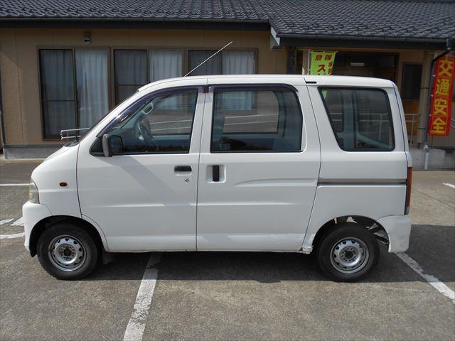 スペシャル 4WD マニュアル車(5枚目)