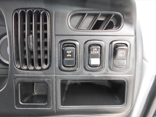 スペシャル 4WD マニュアル車(14枚目)