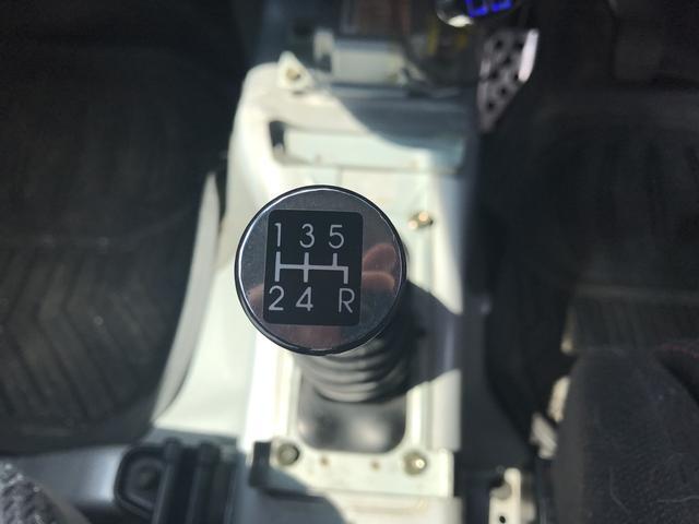 XC 軽自動車 4WD シルバー MT ターボ AC AW(19枚目)