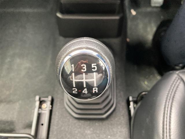 XL 4WD 7インチワイドスクリーンアンドロイド シートヒーター スマートキー 特注アーミーグリーン オフロードウインチバンパー 電動ウインチ リフトアップ オフロードルーフラック リアラダー 社外LED(8枚目)