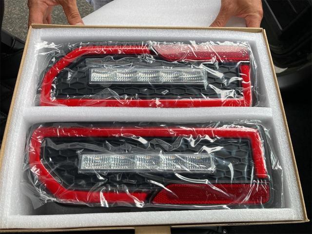 XL 4WD 7インチワイドスクリーンアンドロイド シートヒーター スマートキー 特注アーミーグリーン オフロードウインチバンパー 電動ウインチ リフトアップ オフロードルーフラック リアラダー 社外LED(27枚目)