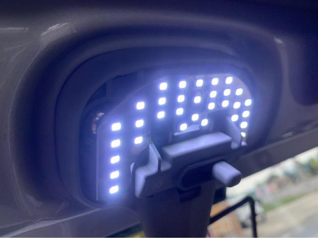 XL 4WD 7インチワイドスクリーンアンドロイド シートヒーター スマートキー 特注アーミーグリーン オフロードウインチバンパー 電動ウインチ リフトアップ オフロードルーフラック リアラダー 社外LED(37枚目)