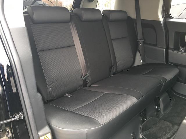トヨタ FJクルーザー ブラックカラーパッケージ メモリーナビチューブサイドステップ