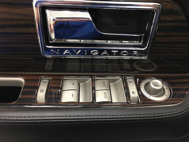 「リンカーン」「リンカーン ナビゲーター」「SUV・クロカン」「北海道」の中古車26