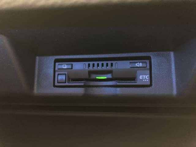 プレミアム 4WD ワンオーナー モデリスタフルエアロ モデリスタグリル 純正9インチSDナビ 禁煙車 純正18インチAW 運転席パワーシート クルコン LEDヘッドライト バックカメラ パワーバックドア(10枚目)