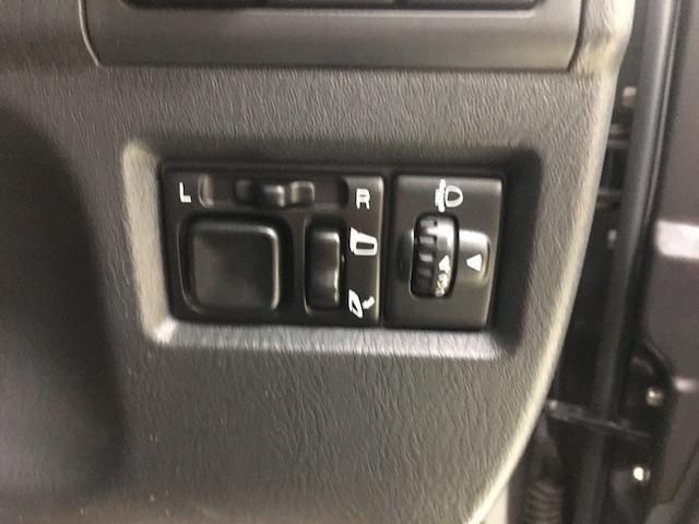 クロスアドベンチャーXC マニュアル車 2インチリフトアップ Bratオリジナル17インチアルミ&リアウィング 新品マキシス6.50R16 フジツボマフラー メッシュグリル LEDテール 各所セミグロスブラックペイント(23枚目)