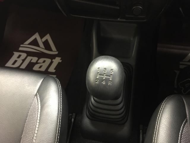 クロスアドベンチャーXC マニュアル車 2インチリフトアップ Bratオリジナル17インチアルミ&リアウィング 新品マキシス6.50R16 フジツボマフラー メッシュグリル LEDテール 各所セミグロスブラックペイント(29枚目)