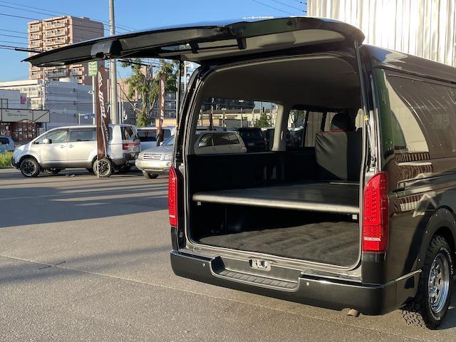 ロングスーパーGL 3型 4WD ベット 新品BFグッドリッチ JAOSオーバーフェンダー ブルバー クラッツィオシートカバー 黒木目パネル/ステアリング/シフト ツインモニター スクリーンドア(アミ戸)ハンガーレール(57枚目)