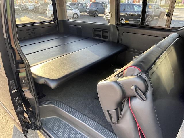 ロングスーパーGL 3型 4WD ベット 新品BFグッドリッチ JAOSオーバーフェンダー ブルバー クラッツィオシートカバー 黒木目パネル/ステアリング/シフト ツインモニター スクリーンドア(アミ戸)ハンガーレール(62枚目)