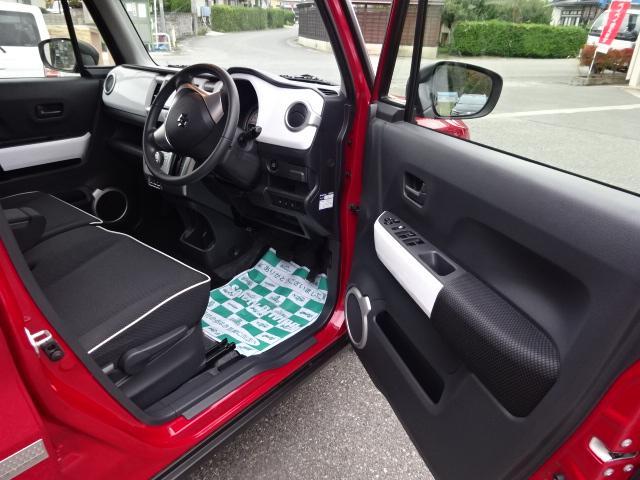 Xターボ4WD・レーダーブレーキ・黒ルーフ(11枚目)